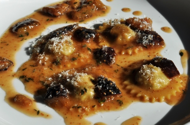 sweetbread raviolini with figs & thyme